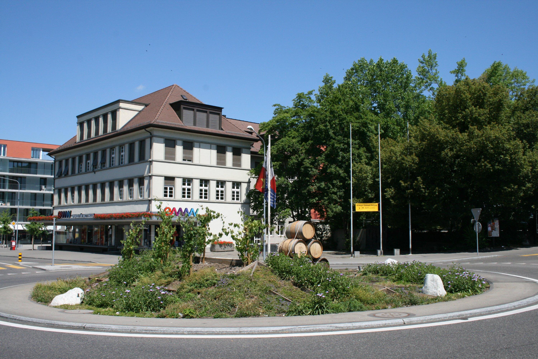 wettingen_kreisel_landstrasse_zwyssigstrasse_43291073049685.jpg
